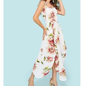 Dresses - NWOT Cream floral sundress spaghetti tie straps Sm